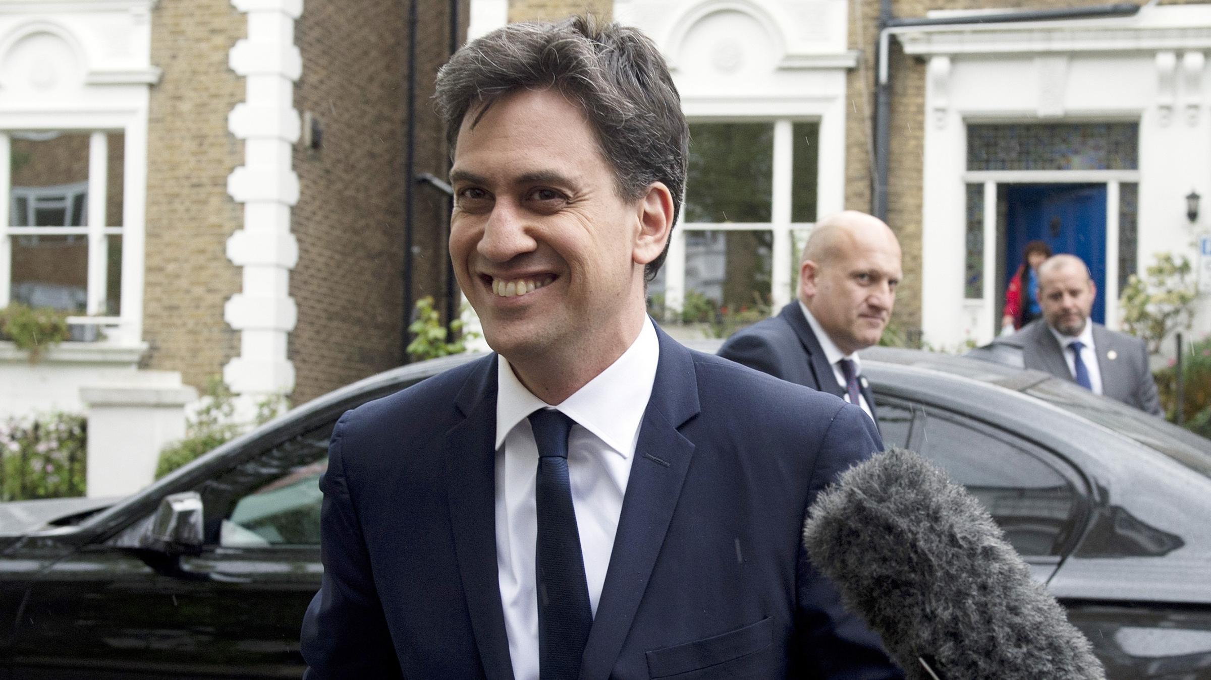 Ed Miliband and Iain Duncan Smith to host Radio 2 show